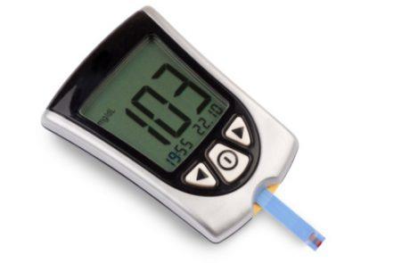 ניטור סוכר רציף במתבגרים, מבוגרים צעירים וקשישים עם סוכרת מסוג 1 – סקירת עדכון מ-JAMA